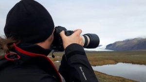 photograph of andrzej muzaj photographing iceland