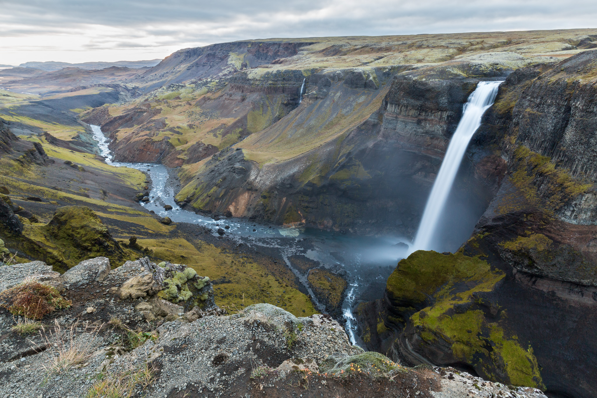Háifoss waterfall picture