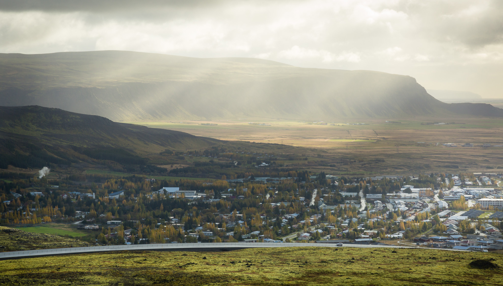 Vast Icelandic landscape picture